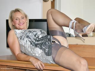 Sugarbabe - Bedroom Slut Picture Gallery