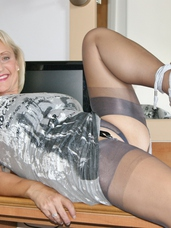 Bedroom slut In this weeks update you get over 130 photos and later this week a video in HD that is 6 minutes long, every week withou. Mature, cougar, milf, big tits, hairy, united kingdom, lingerie, legs, high heels, feet/shoes, fingering, sex toys, stockings