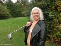 Barby - New Golfing Outfit Video
