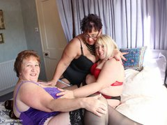 Kinky Carol - Carol, Pammy & Lexie 3 Some Pt1 Photo Album