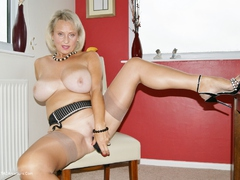 Sugarbabe - Black Cock Fucks Me HD Video
