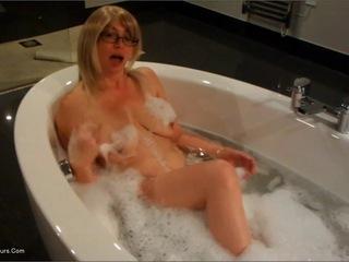 Barby Slut - Barby Slut Bathtime HD Video