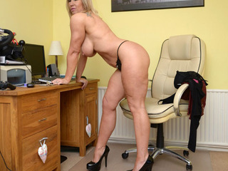Melody - Red Leather Pt2 Picture Gallery