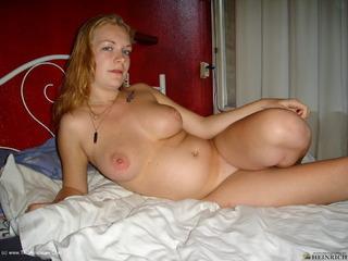 Luscious Models - Amanda Preggo Housewife 2 Picture Gallery
