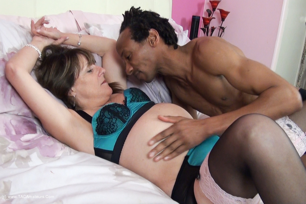 Pandora - Waiting For My Boyfriend Pt2 scene 1