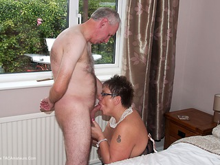 Warm Sweet Honey - A Good Hard Pounding Picture Gallery