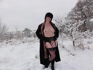 Barby Slut - Snow Picture Gallery