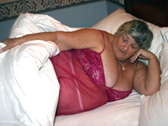 GrandmaLibby - Horny In Bed Photo Album
