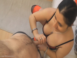Kimberly Scott - Living Room Blow Job Pt1 HD Video