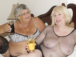 Grandma Libby - Horny Lesbos Picture Gallery