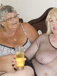 GrandmaLibby - Horny Lesbos