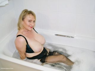 Sugarbabe - Getting Dirty In The Bath Picture Gallery