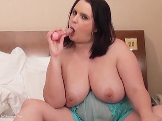 Dirty Doctor - Sarah Janes Solo Playtime Pt2 HD Video