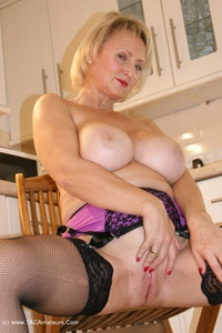 sugarbabe - Cumming In A Strangers House Free Pic 3