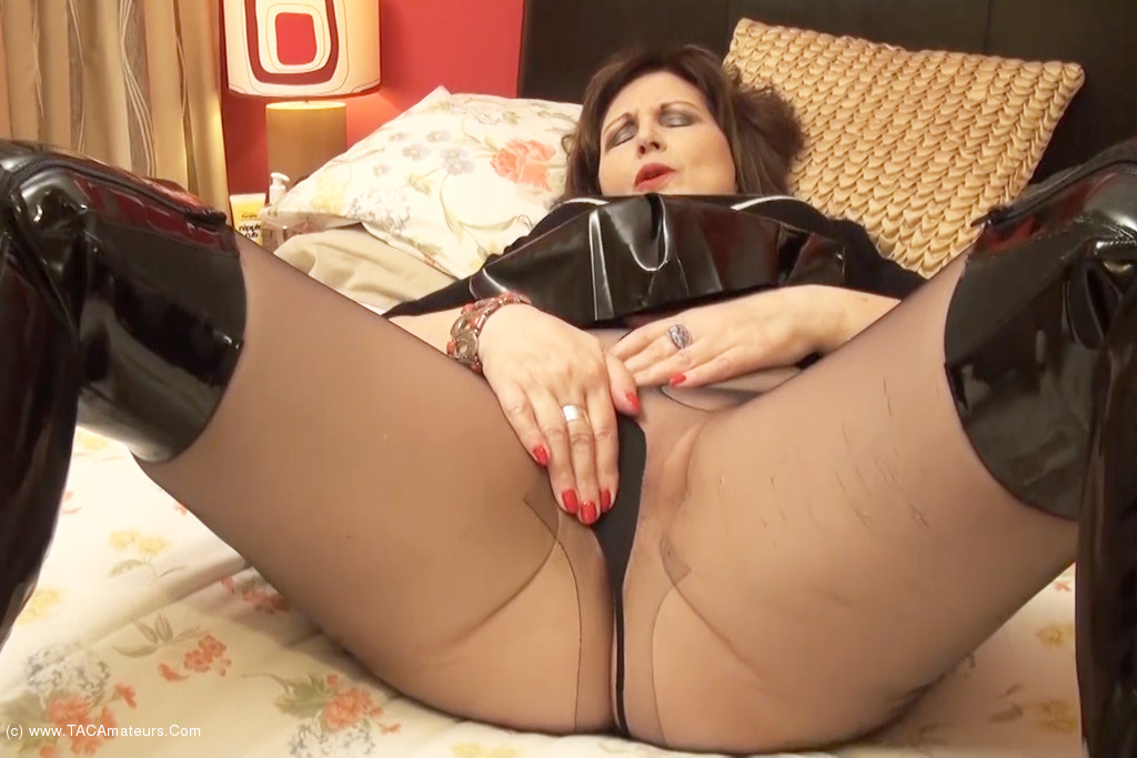 DirtyDoctor - Ripped Tights Pt1 scene 2