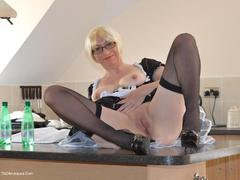 BarbySlut - Maid Barby Photo Album