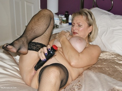 Sugarbabe - Let Me Teach You How To Wank A Cock Until You Spunk HD Video