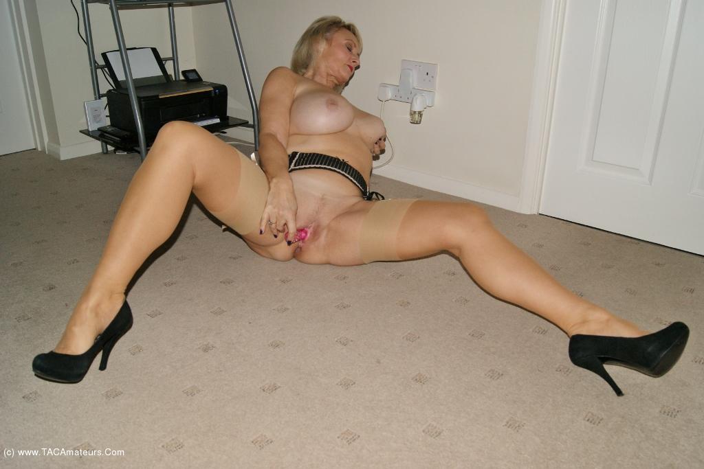 hot naked girls flexibles