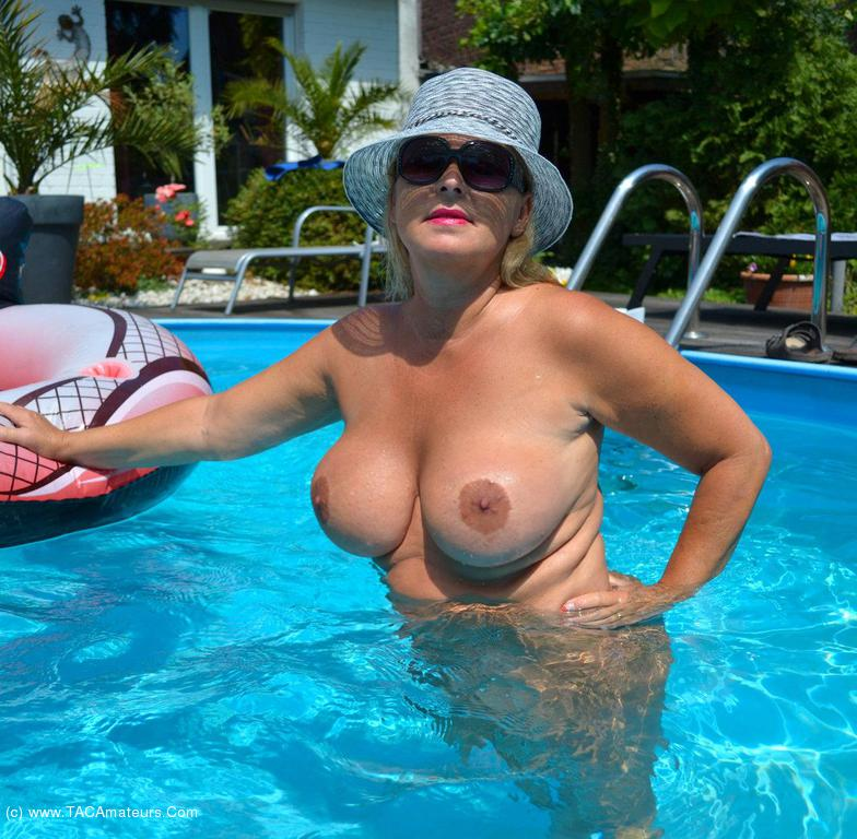 Sugar pan older lady nude by pool