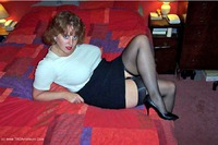 Curvy-Claire - Bed Or Red Free Pic 1