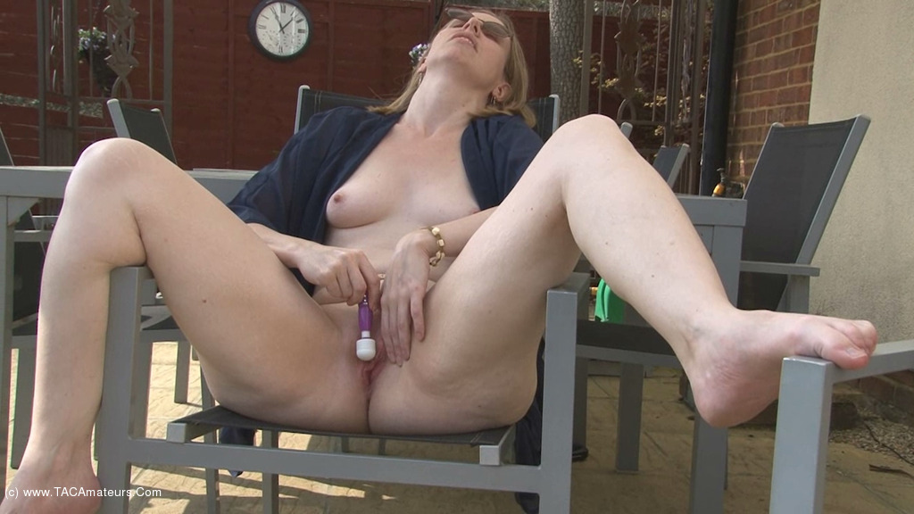 SammieSlut - Slut On The Patio scene 3