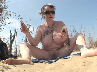 Mary Bitch - Naked On The Beach HD Video