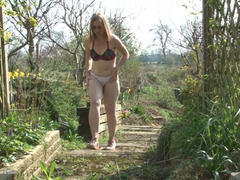 SammieSlut - Slut Fingers In The Garden HD Video