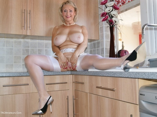 Sugarbabe - Fucking Myself In The Kitchen HD Video
