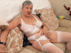 Savana - Housework Pt2 HD Video