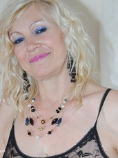 English lady pt3 English Lady dressed in blue shorts and see through top flashes her tits.. Cougar, milf, united kingdom, mature, lingerie, high heels, legs, feet/shoes, striptease, stockings, big tits, solo