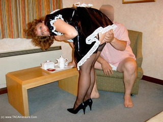 Curvy Claire - French Maid Pt1 Picture Gallery