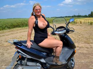 Nude Chrissy - Another Trip On My Motor Bike Picture Gallery