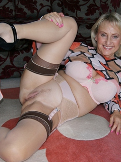 Sugarbabe - A Member Of My Site Shoots His Spunk Over Me