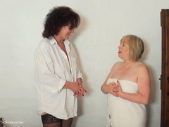 SpeedyBee - Speedy Bee Massage Pt1 HD Video