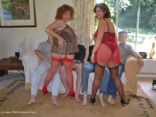 Curvy Claire - Orgy Time Pt1 Picture Gallery