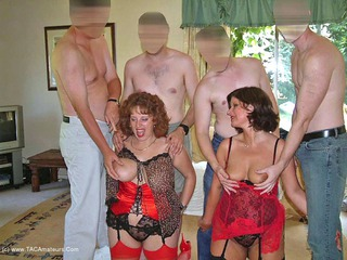 Curvy Claire - Orgy Time Pt2 Picture Gallery