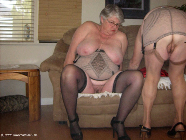 GirdleGoddess - Two Sexy Mamas
