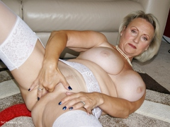 Sugarbabe - Two Toys Working That Pussy HD Video
