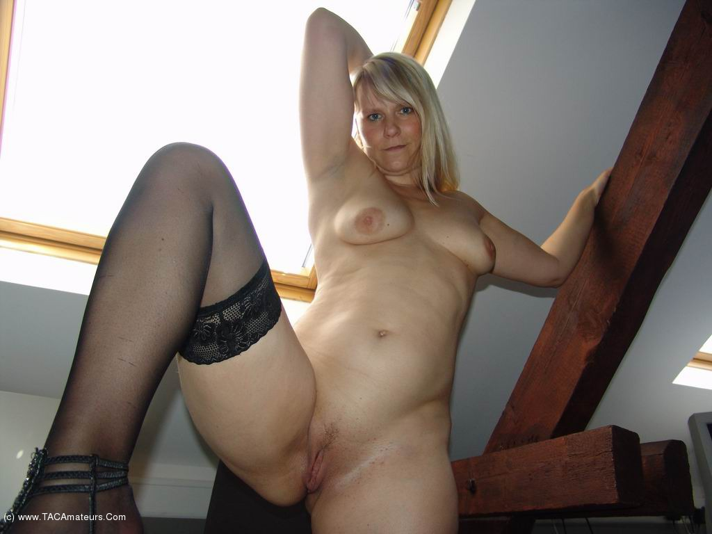A real amateur milf swinger my 2 voyeurcams live 24h 1