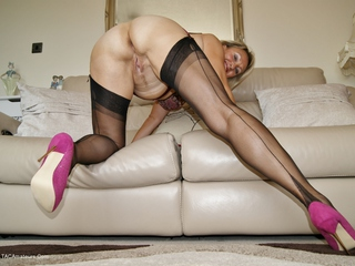 Sugarbabe - Spunking All Over My Nylons HD Video