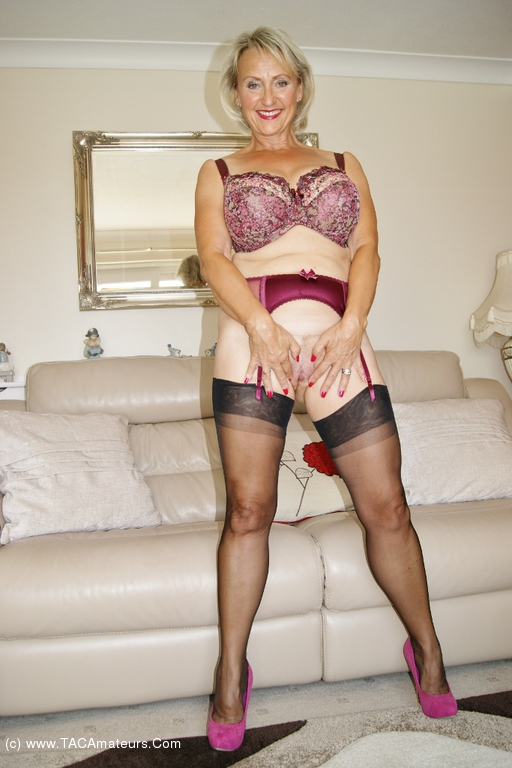 Sugarbabe - Spunking All Over My Nylons scene 3