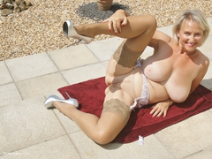 Sugarbabe - Outside Getting Ready To Have Some Cock Gallery