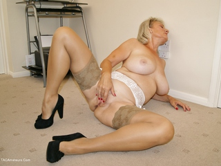 Sugarbabe - Come  Use My Pussy For Your Pleasure Picture Gallery