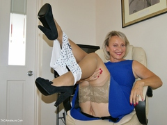 Sugarbabe - Spunk Over My Nylons HD Video