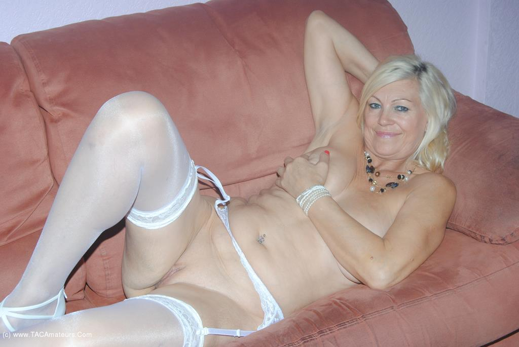 Stockings and suspenders pussy