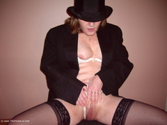 CougarBabeJolee - Sexy In A Top Hat & Coat Photo Album