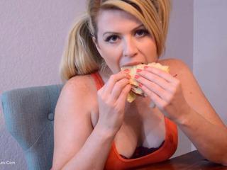 Daisy Haze - Cum Sandwich Pt2 HD Video