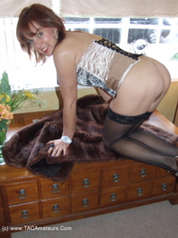 georgie - Living Room Strip Free Pic 3