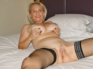 Sugarbabe - Covered In Spunk HD Video