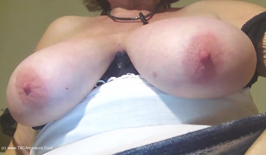 Caro - Big Jigging Granny Tits scene 1